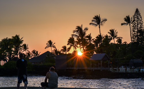 Sunset in Kailua-Kona, Hawaii by Geoff Livingston