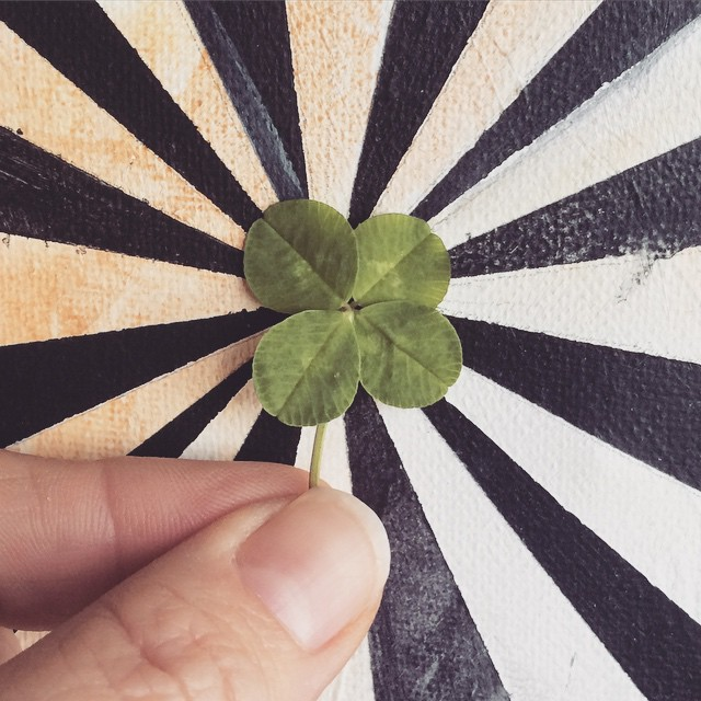 It's totally a fake, held together with hot glue on the back, but ya know, you gotta make your own #luck sometimes 😉🍀