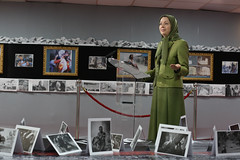 Maryam Rajavi Visiting the exhibition on Syrian people's resistance  (1)