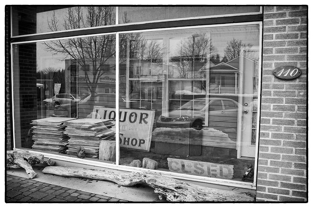 IMG_3818 Liquor Shop Clsed