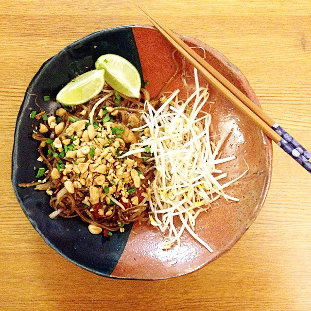 Homemade bowl, homemade pad thai 👊