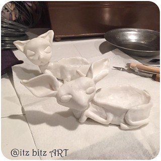 So this is what I did last night while I was supposed to be asleep !! Sculpting animal pincushions ! 🐰🐱