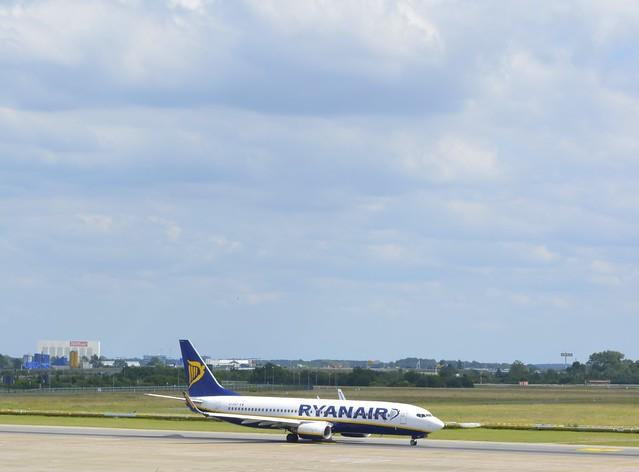 EI-EKP - Boeing 737-8AS
