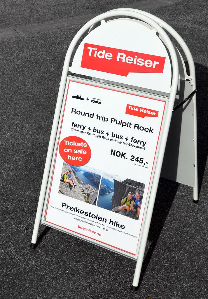 Precios para el ferry y autobús que lleva a Preikestolhytta para subir al Preikestolen
