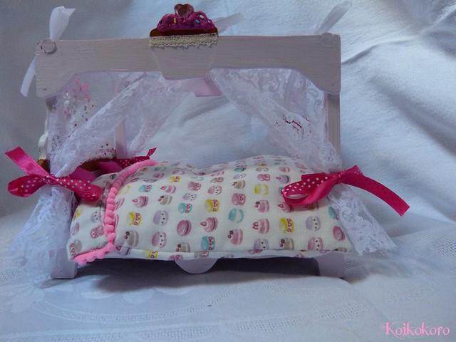 Les 3 Dames ~ meubles pour poupées : Fauteuil SD 16625681019_b4c350551b_z