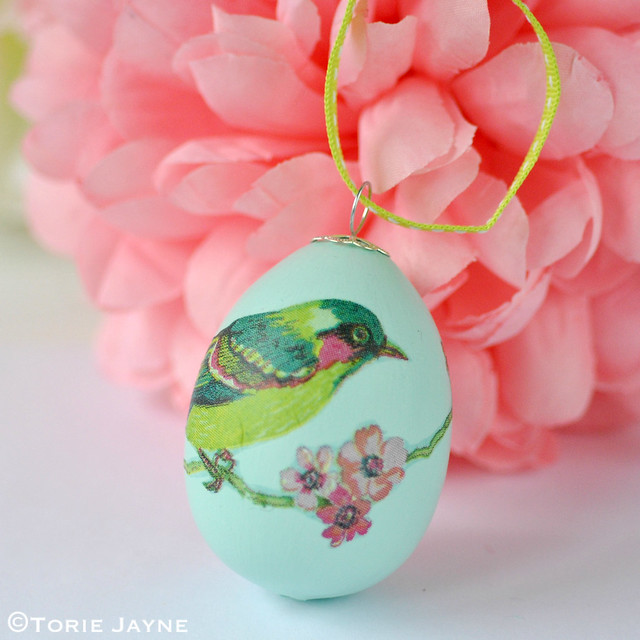 Bird napkin decoupage egg