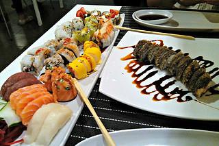 http://hojeconhecemos.blogspot.com/2014/08/eat-sushi-factory-lisboa-portugal.html