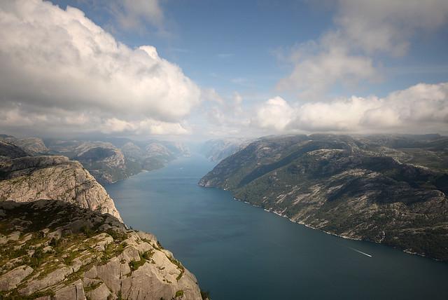 Espectacular panorámica del fiordo Lysefjord