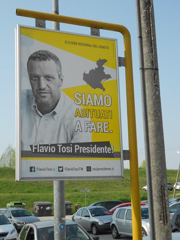 siamo abituati a fare, Flavio Tosi, alla fermata dell'autobus