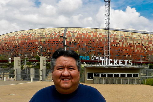 Mau + Estadio