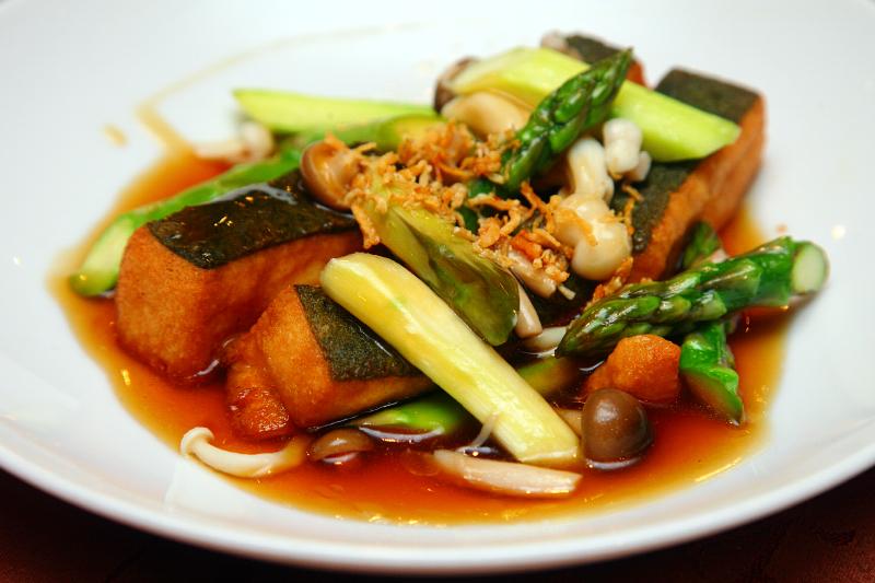 Spinah-Bean-Curd-with-Asparagus