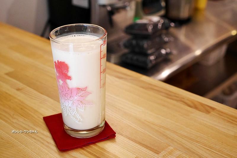 16521266513 89ccf3d95b c - 美軍豆乳冰│西區 100%台灣在地農產黃豆製作豆乳專賣~招牌豆乳剉冰 森半抹茶豆乳布丁 黑豆豆漿都不賴