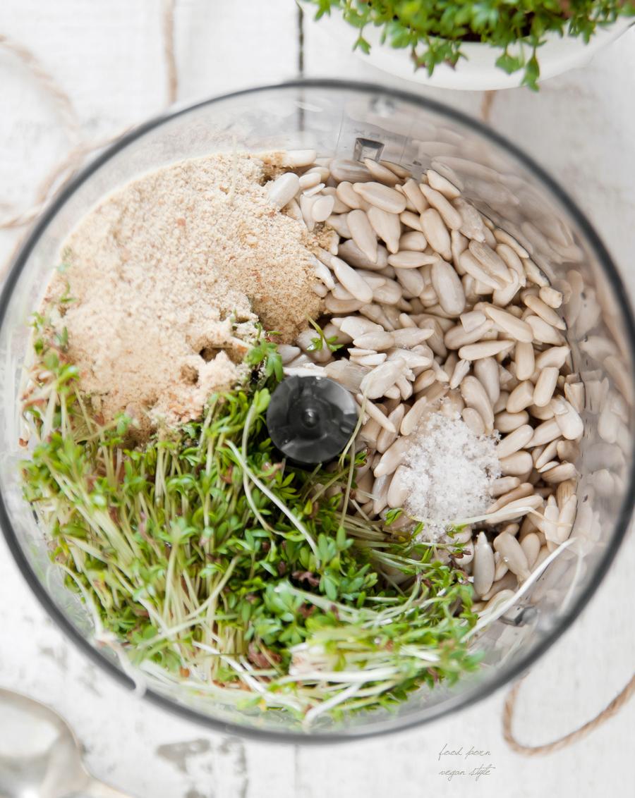 Cuckooflower/watercress pesto with sunflower seeds