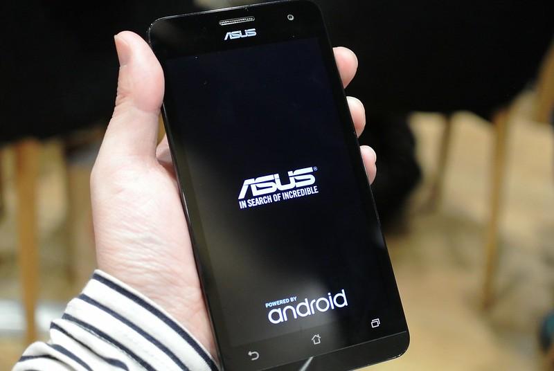 ZenFone 5&1年間のデータ料金を無料でモニター参加できる!