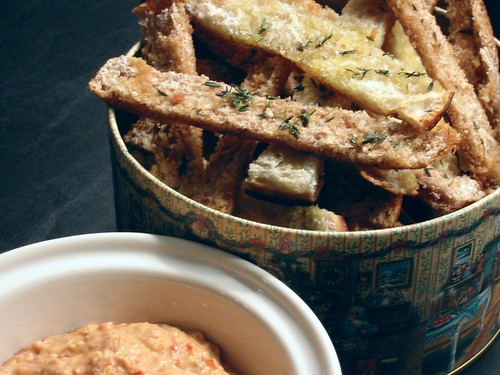 Sun-Dried Tomato Dip and Herbed Pita Chips 004