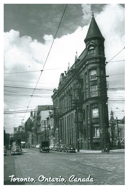 Retro - Toronto - Flatiron building