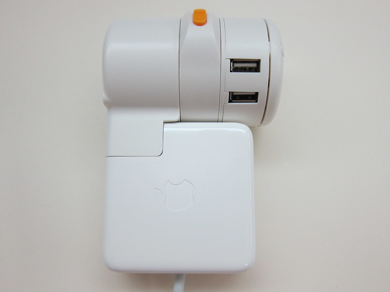 Twist Plus Word Charging Station - With MagSafe Power Adapter - Right