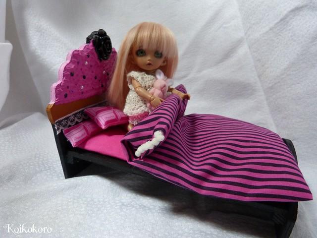 Les 3 Dames ~ meubles pour poupées : Fauteuil SD 16891680592_b1d14b811b_z