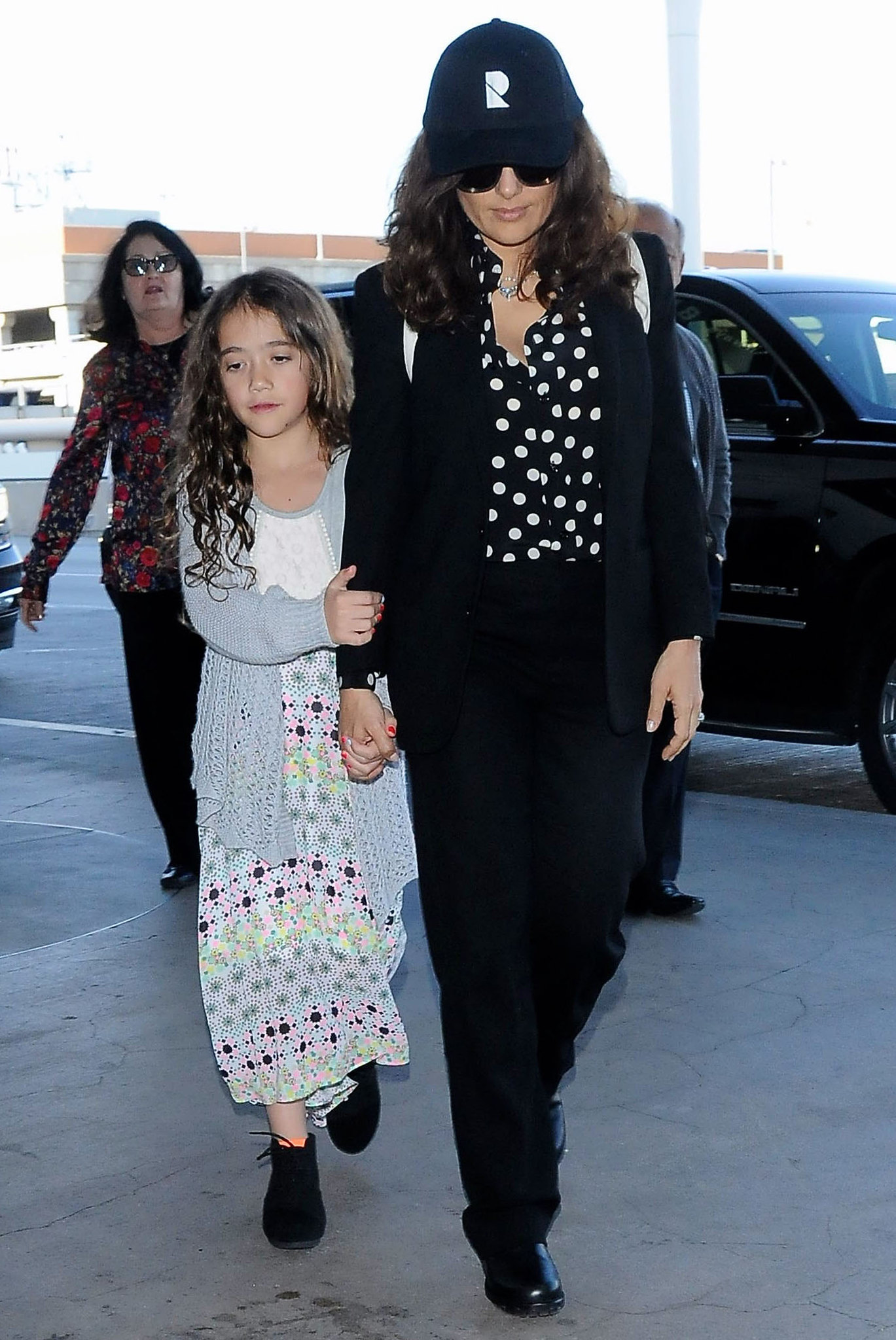 Salma Hayek and daughter arrive at LAX 4/18 | Lipstick Alley