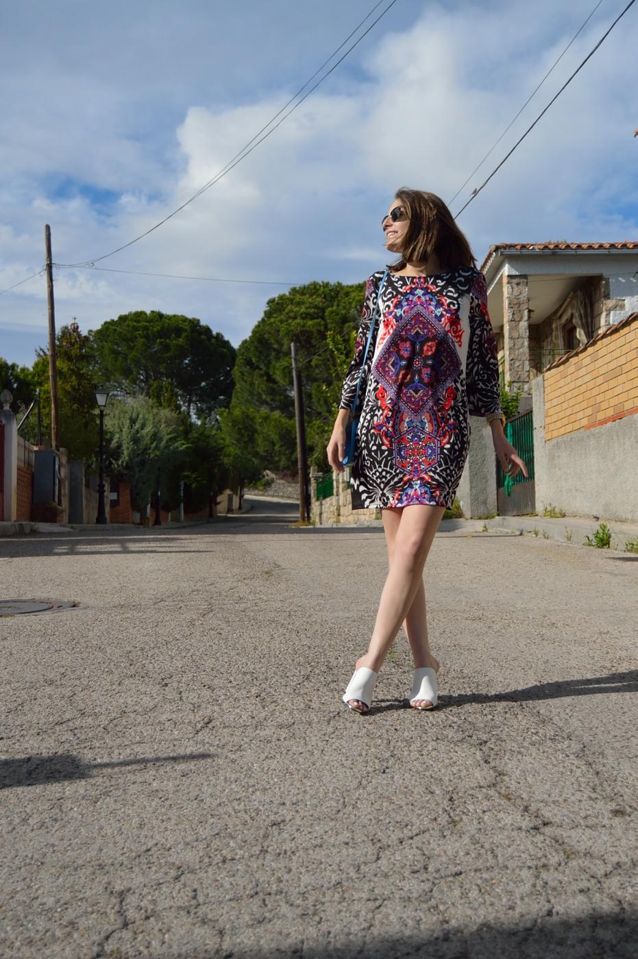lara-vazquez-madlula-style-look-fashion-blog-girl-wearing-a-dress