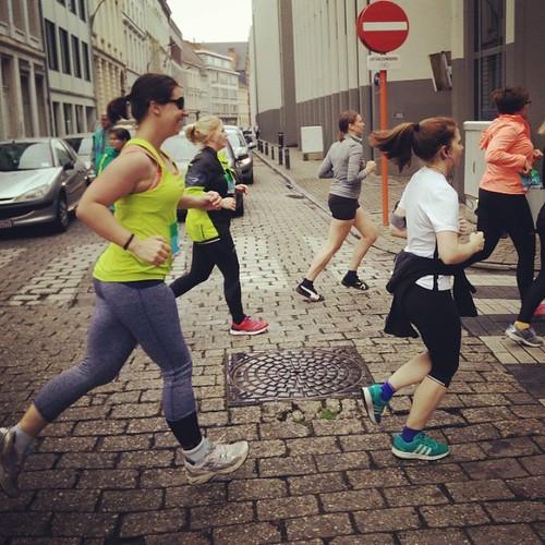 She did it! Onmetelijk trots op @sofinessetje die ondanks herhaaldelijk blessurebleed blijft verder gaan! Haar eerste 5 km wedstrijd is een feit. Proficiat!