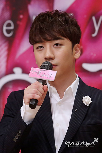 seungri_angel_eyes_press_conference_140403_2