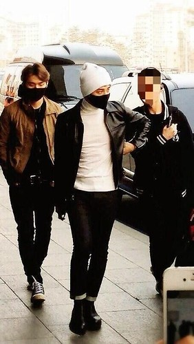 gdragon_airport_140411_016