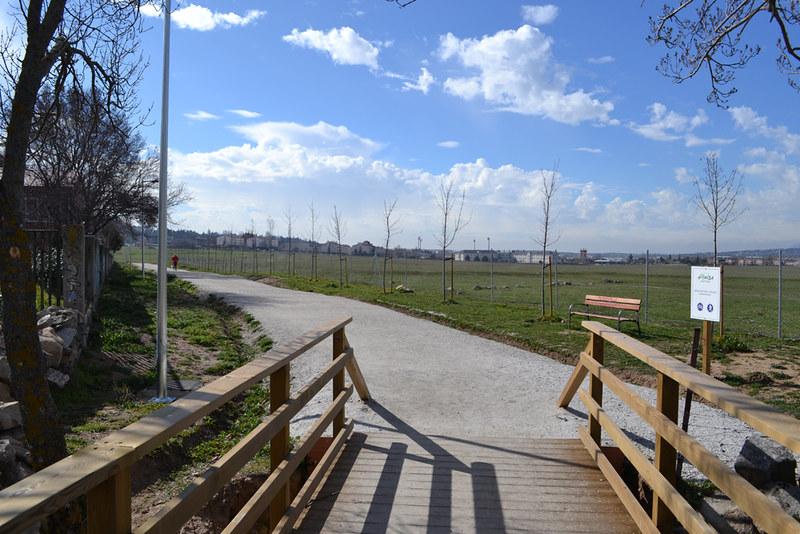 Se completa el itinerario saludable del circuito de la for Piscina collado villalba