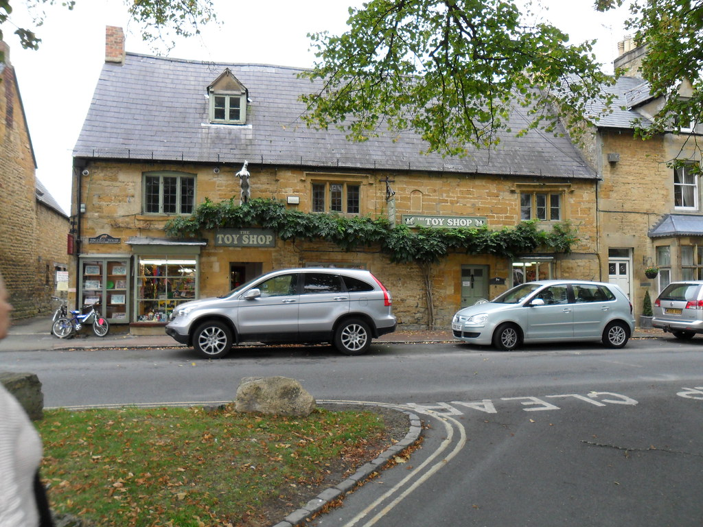 The Cotswolds  and Moreton in Marsh (23)