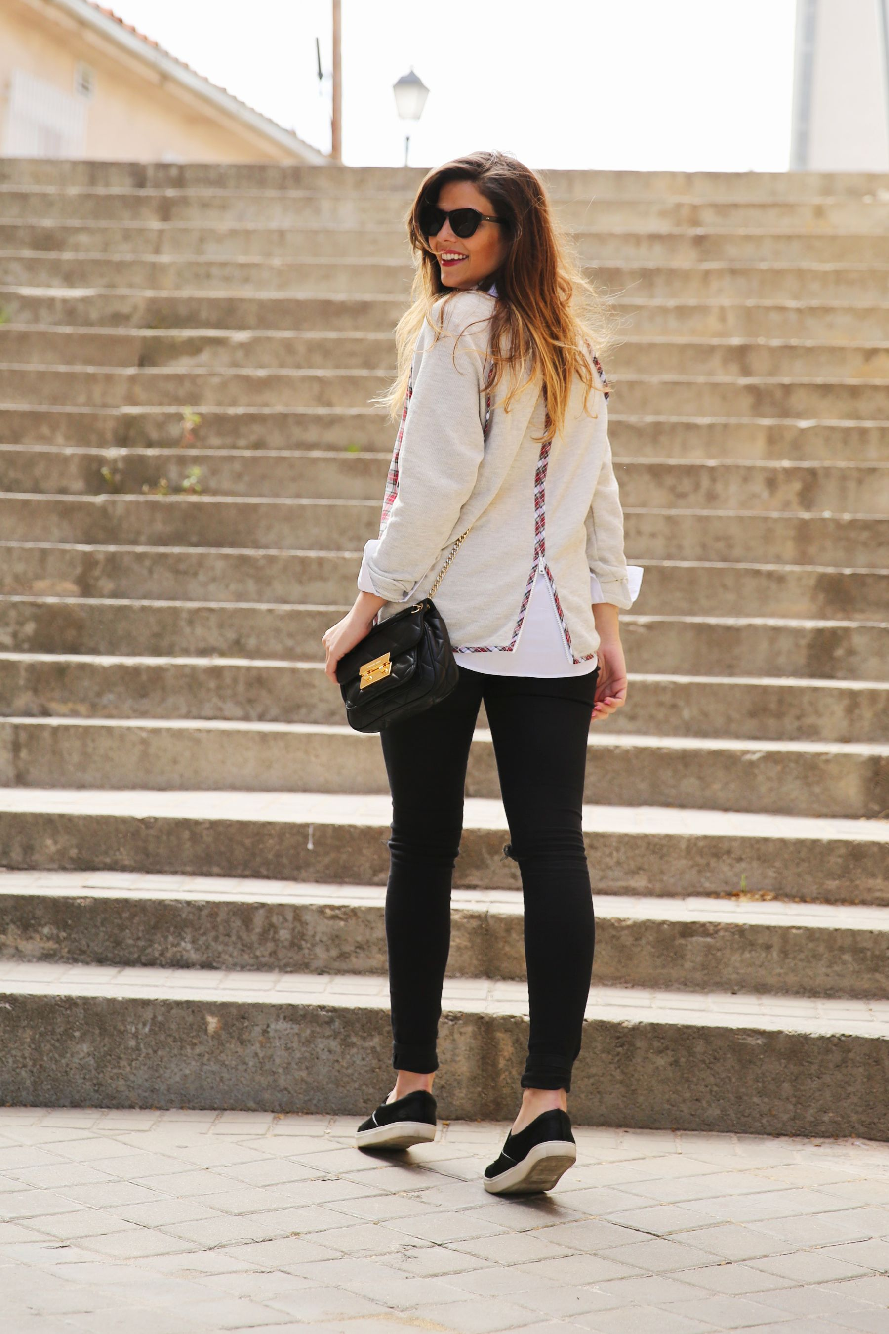trendy_taste-look-outfit-street_style-ootd-blog-blogger-fashion-spain-moda-españa-steve-madden-plaid-shirt-camisa-cuadros-skinny-jeans-pitillos-negros-2