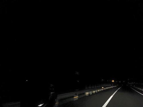 明かりって大切だよな、と思う。ならはPA以北、ほぼ漆黒の帰還困難区域なども通る常磐道。町の灯が見えると、なんともあたたかい気持ちになる。