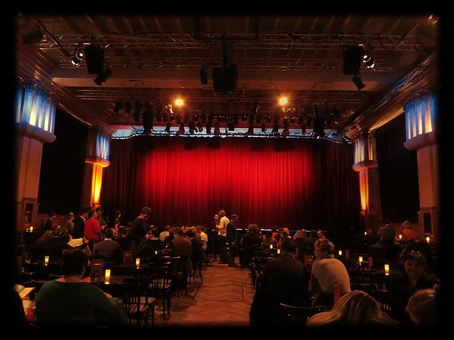 ballroom, chamaeleon theatre, things to do in berlin, shows in berlin, contemporary circus show, hackesche hofe