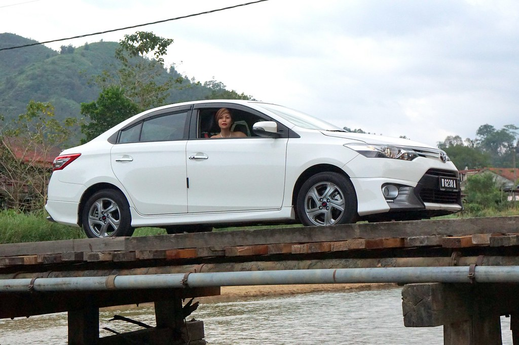 rebecca saw - car reviews - toyota vios TRD-023