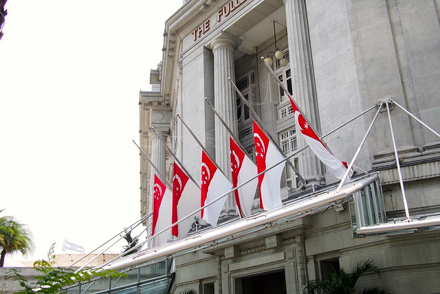flags flying at half-mast at The Fullerton Hotel, Singapore, 23 March 2015, death of Lee Kuan Yew