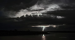 storm(1.0), thunder(1.0), thunderstorm(1.0), lightning(1.0), cloud(1.0), monochrome(1.0), darkness(1.0), black-and-white(1.0),