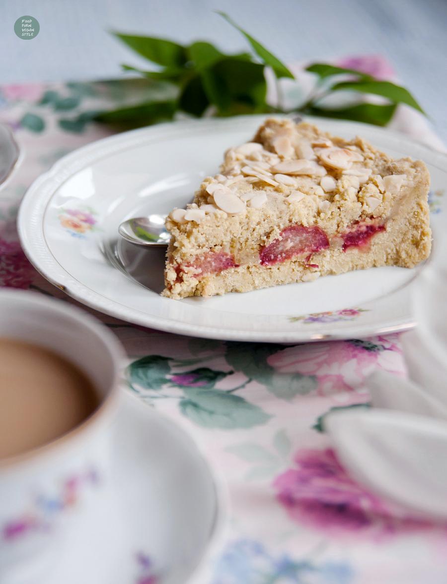 Rhubarb-marzipan cake (vegan & gluten-free)