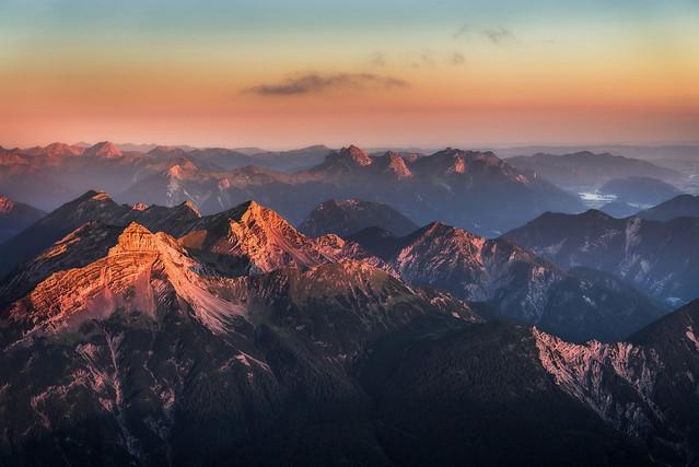 немецкие Альпы в свете рассвета