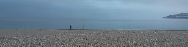 Paseando por la playa en un día gris #MediTB15