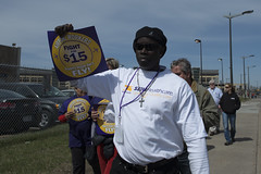 Protest march for a $15/hour minimum wage at the MSP airport