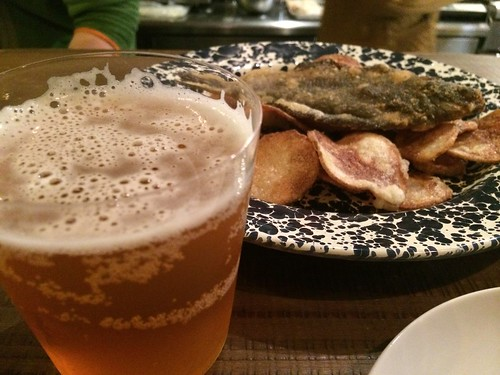 フィッシュ&チップスはビールでいただきます。@サーモンアンドトラウト