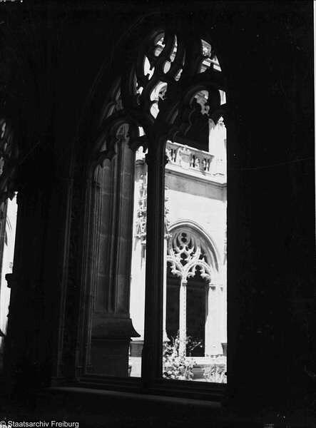 Claustro de San Juan de los Reyes en Julio de 1932. Fotografía de Willy Pragher © Landesarchiv Baden-Württemberg, Abt. Staatsarchiv Freiburg, W 134 Nr.