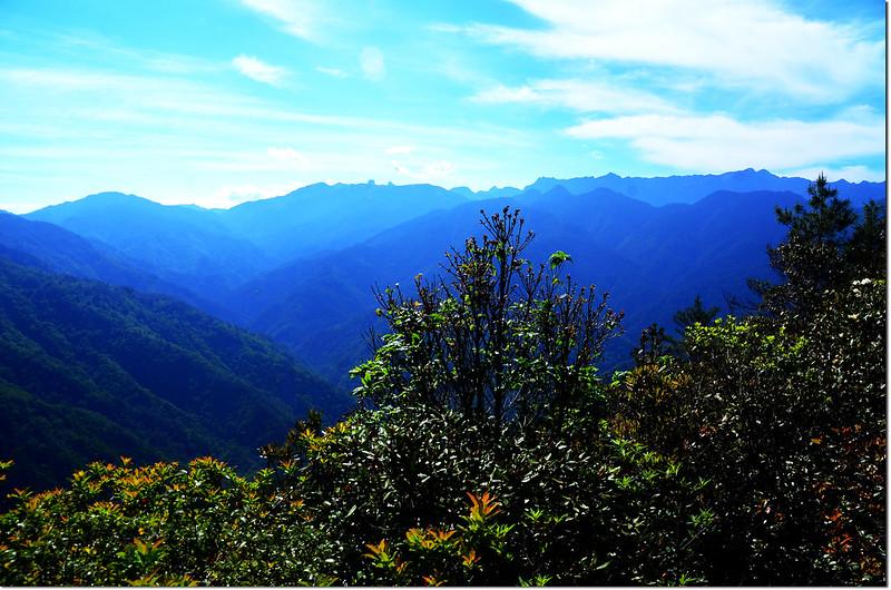 榛山觀景台東南眺大霸群峰及聖稜線