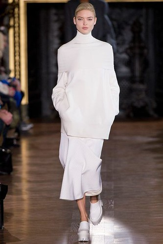 Sportive White @StellaMcCartney Stella McCartney Fall Winter 2013 #pfw paris #fashion week