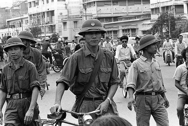 SAIGON May 1975 - Đường Lê Lợi, Bịnh viện SAIGON