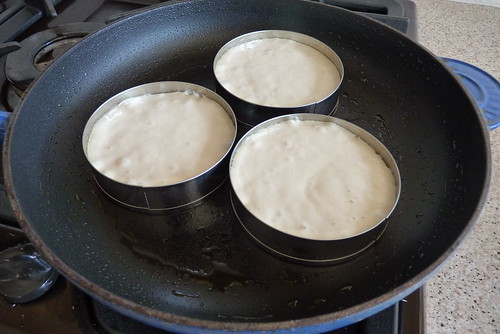 homemade crumpets