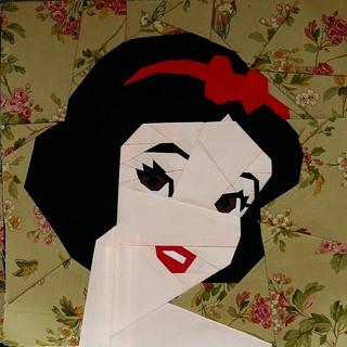 Snow White. Paper Pieced. Fandom in Stitches.