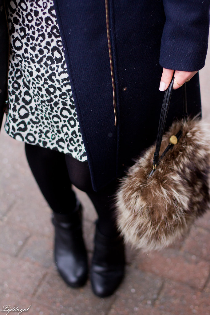 leopard dress, navy coat, fur bag-8.jpg