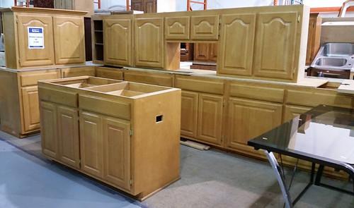 Kitchen Cabinet Set $1000