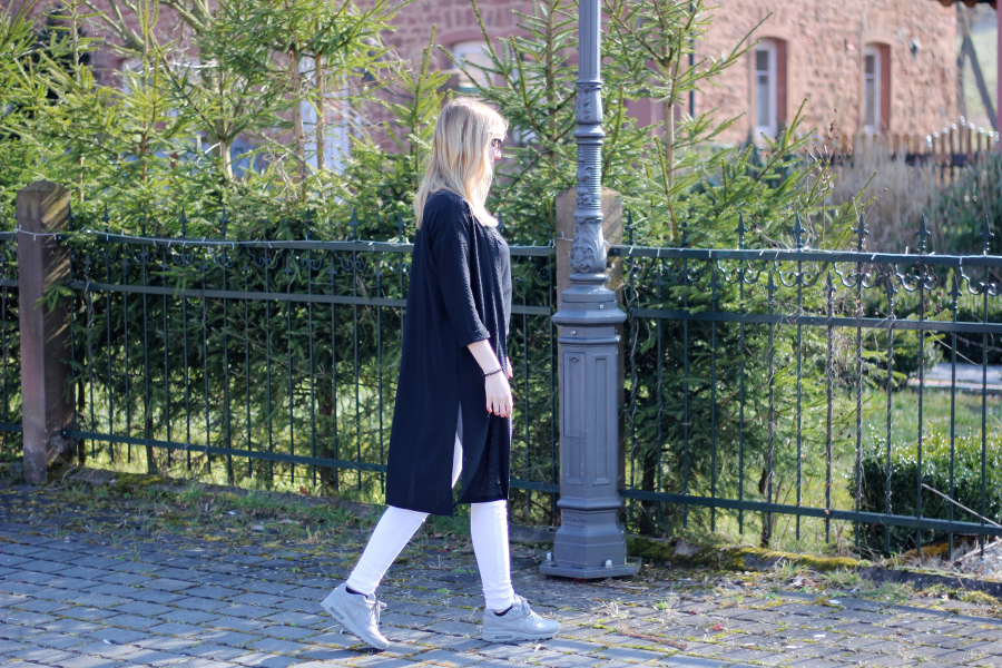outfit-coat-spring-birthday-girl-blogger-german-black-white