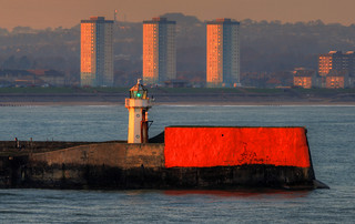 ABERDEEN NORTH BREAKWATER LIGHTHOUSE, ABERDEEN, SCOTLAND.